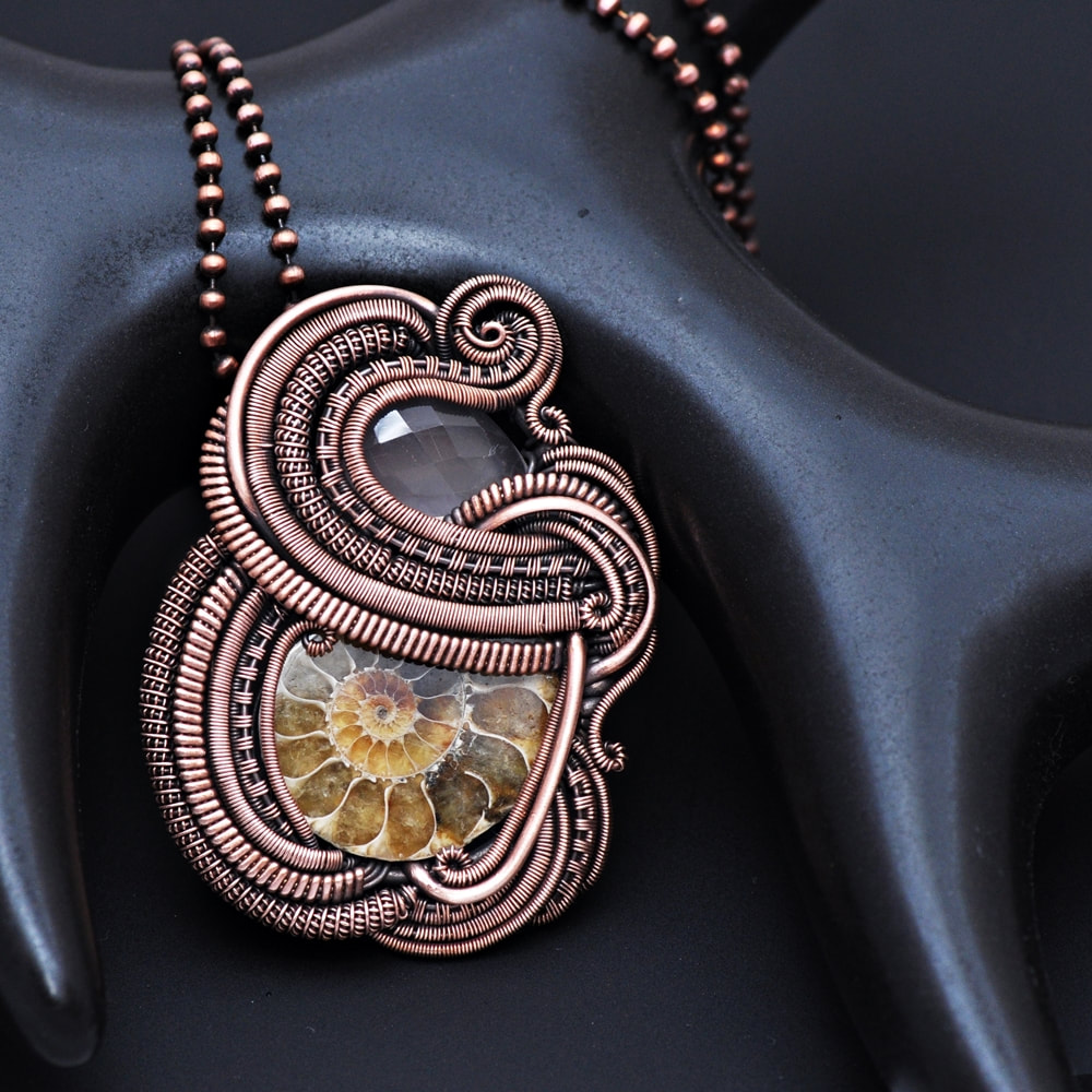 copper pendant, wire wrap pendant, wire weaving, nicole hanna jewelry, handcrafted jewelry, ammonite necklace, rose quartz necklace, earthy jewelry, organic jewelry, boho jewelry, bohochic, bohostyle, heady wrap, heady pendant, flow, flowing, wearable art